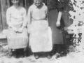 od lewej-Anna Kliś -Pękala,Magdalena Moskal zd.Ćwik,Zofia Moskal