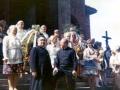 Przed Kościołem w Straszęcinie 1971 rok