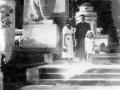 Cmentarz Obrońców Lwowa-VI/1937r ,od lewej-Zofia Moskal,Antoni ,Stasia Gawle/Karpała/